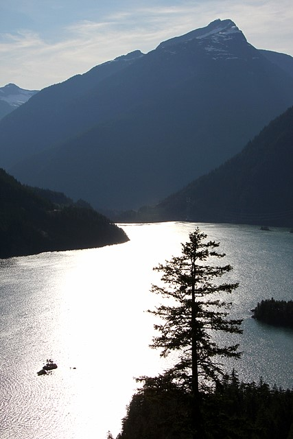 Diablo Lake<br>North Cascades National Park<p>Camera: Canon EOS Rebel T1i<br>Tamron 28-300 mm VC lens