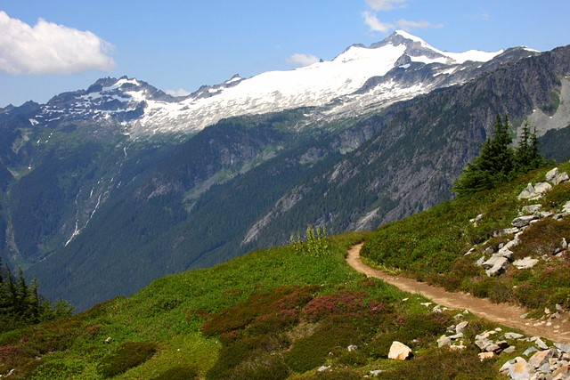 Cascade Pass Trail<br>North Cascades National Park<br>Washington State<p>Camera: Canon EOS Rebel T1i<br>Tamron 28-300 mm lens