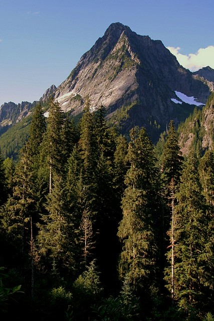 Sperry Peak<br>Mt. Baker-Snoqualmie National Forest<br>Washington State<p>Camera: Canon EOS Rebel T1i<br>Tamron 28-300mm VC lens