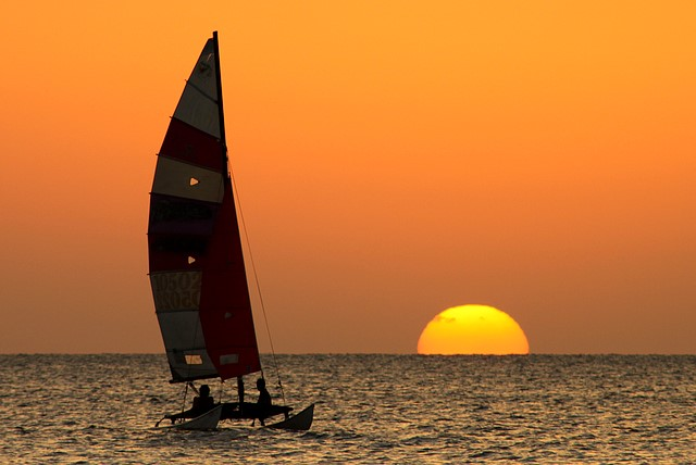 Sunset cruise<br>Negril, Jamaica<p>Camera: Canon EOS Rebel T1i<br>Quantaray 70-300mm lens