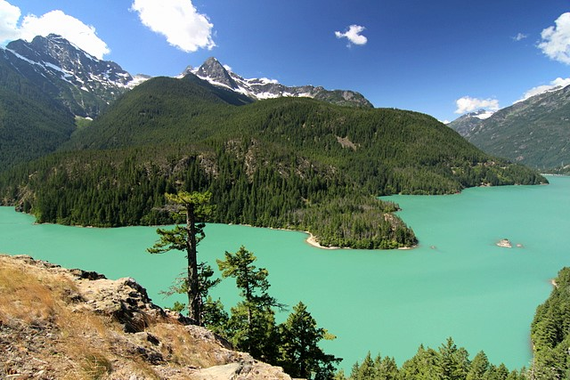 Diablo Lake<br>North Cascades National Park<br>Washington State<p>Camera: Canon EOS Rebel T1i<br>Tokina 11-16mm f/2.8 lens