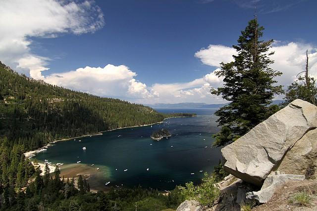 Emerald Bay, Lake Tahoe<p>Camera: Canon EOS Rebel T1i<br>Tokina 11-16mm lens