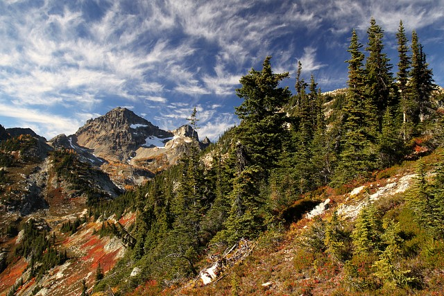 View from Heather Pass<br>North Cascades National Park<br>Washington state<p>Camera: Canon EOS Rebel T1i<br>Tamron 17-50mm f/2.8 lens